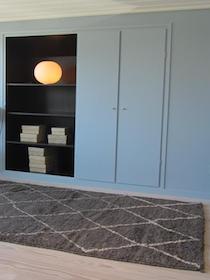 Blå væg grå tæppe, Henriette W. Leth, farverådgiver